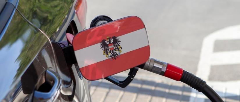 Benzine bij een Oostenrijkse pomp