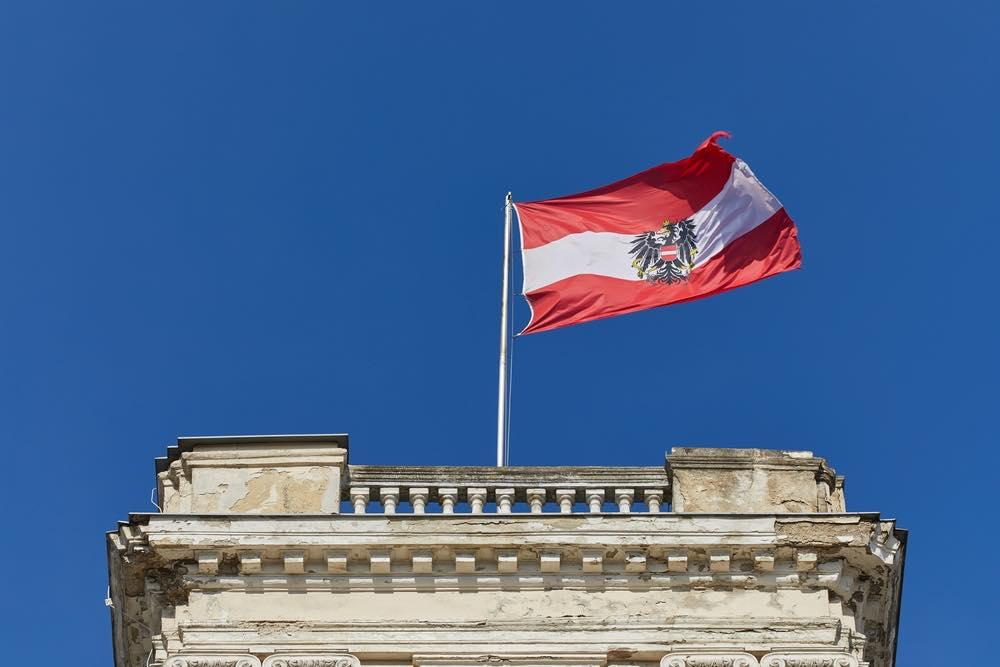 wapperende Oostenrijkse vlag